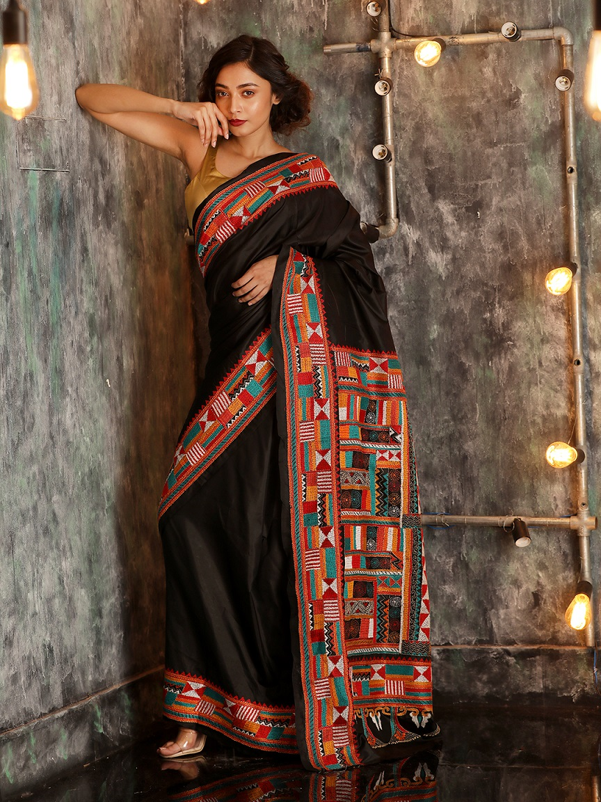 Black Bangalore Silk Hand woven Saree With Kantha Stitch Work 0