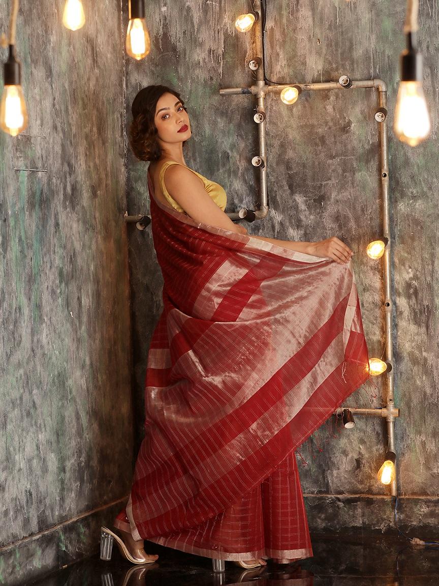 Maroon Hand woven Pure Cotton Saree With Zari 1