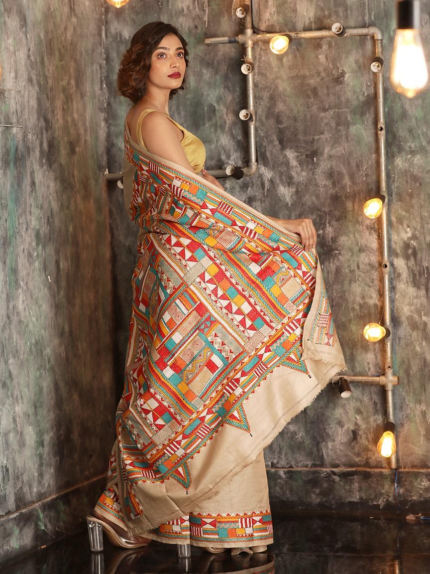 Beige Tusser Silk Hand woven  Saree With Kantha Stitch Work 1