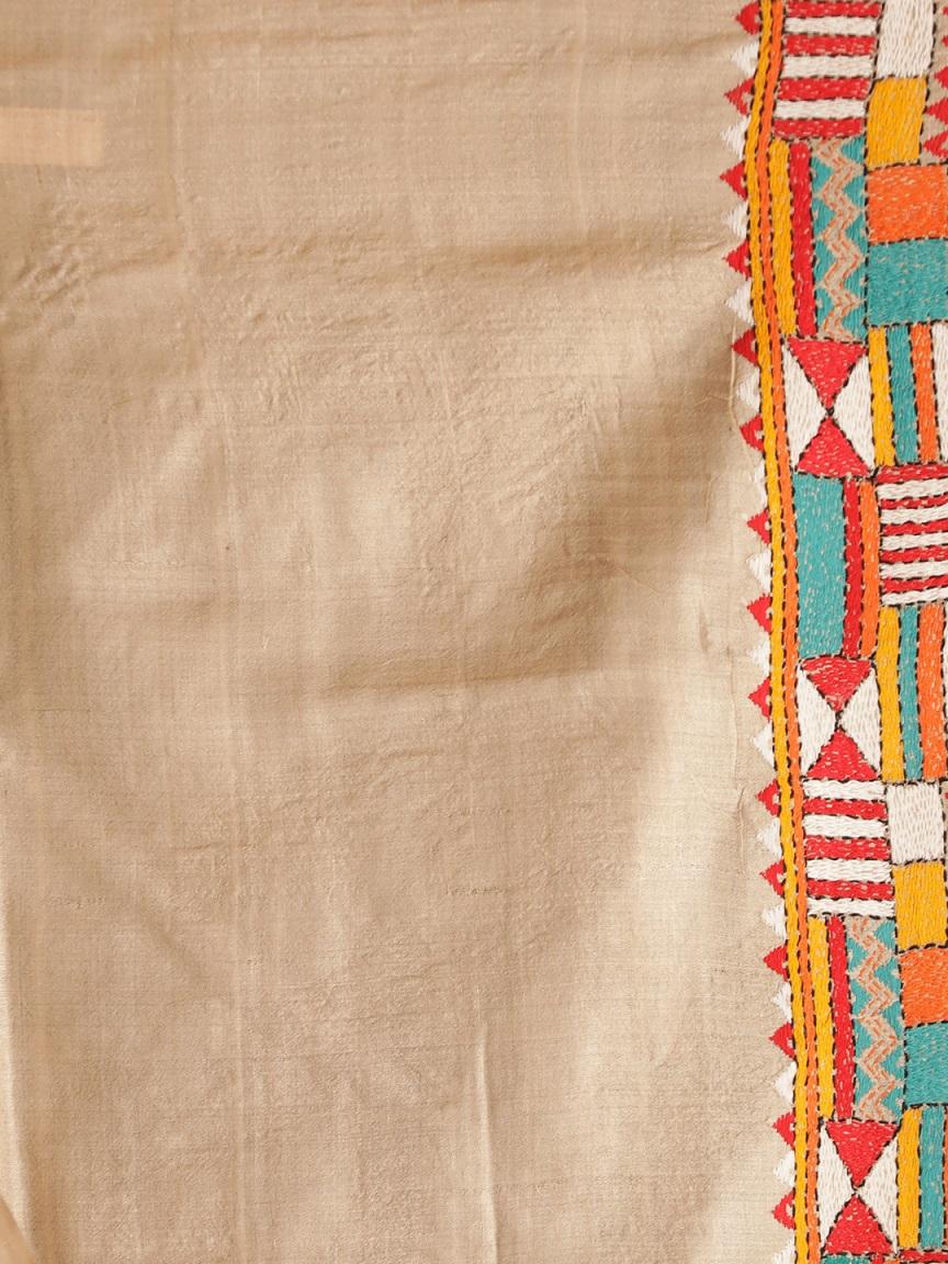 Beige Tusser Silk Hand woven  Saree With Kantha Stitch Work 2